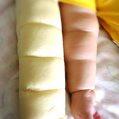 pan baby hand 405x405 - ちぎりパン