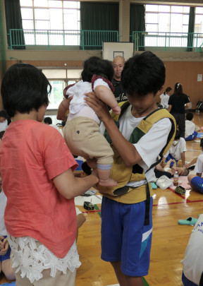 08 288x405 - 東大阪市立高井田中中学校 いのちの授業