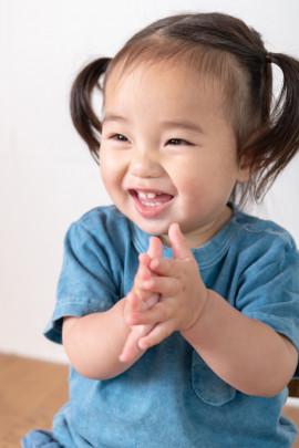uta 270x405 - 歌う1歳児