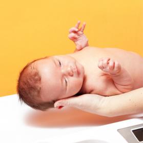 baby 05 s 279x279 - (5)体重が増えない赤ちゃんの発育、どう評価する?