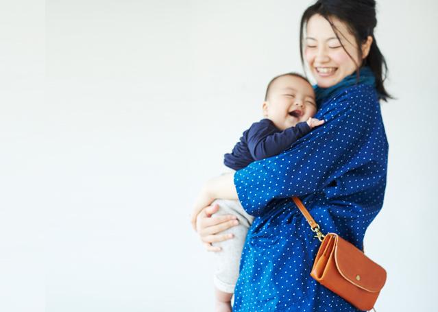 IMG ws mamamanyluggage1 - ママは荷物が多すぎて(お財布ショルダーマホン)