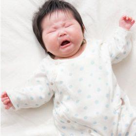 赤ちゃん「置いたら泣いたるから〜!」