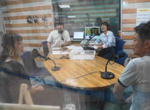 FM OKINAWA 06 300x220 - 沖縄初講演 〜爆笑お笑い子育てライブ〜レポート(1)