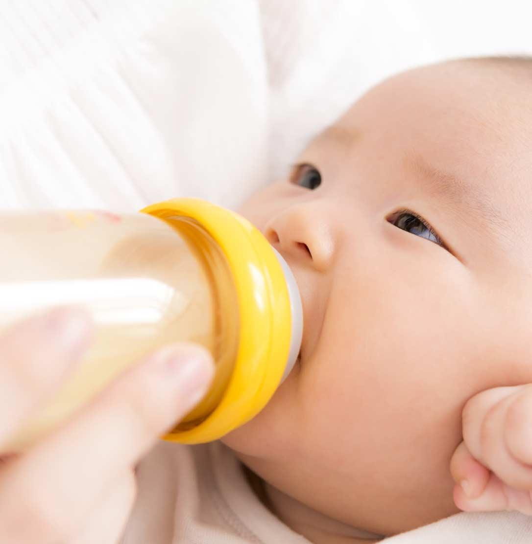 m - 粉ミルクの赤ちゃんは太る?
