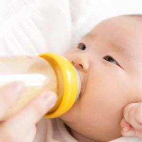 mi s 279x279 - 粉ミルクの赤ちゃんは太る?