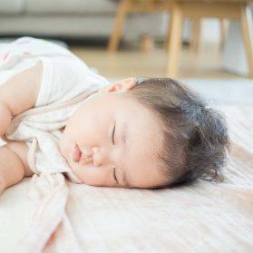 7ヶ月児、ねねちゃんの寝相がヤバイ!
